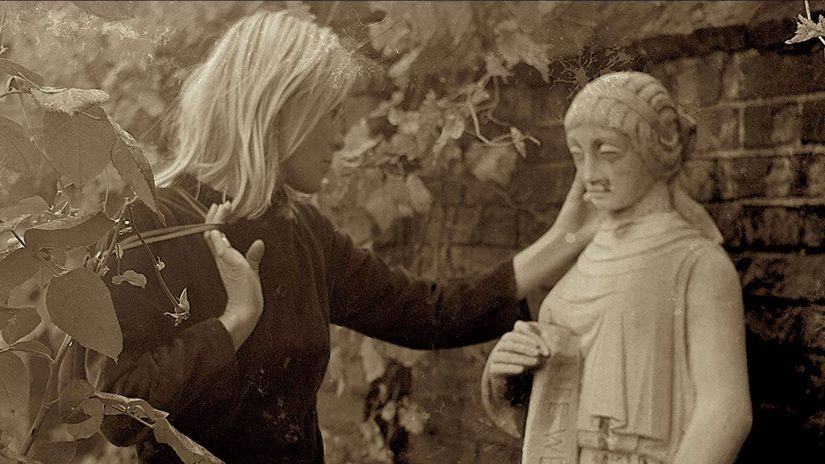 Marianne And Leonard Words Of Love Review - OC Movie Reviews - Movie Reviews, Movie News, Documentary Reviews, Short Films, Short Film Reviews, Trailers, Movie Trailers, Interviews, film reviews, film news, hollywood, indie films, documentaries, TV shows